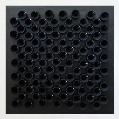 <b>Actual Infinity - Black-White</b>, 2001<br>Nylon fabric on canvas<br>100 x 100 cm - 39.4 x 39.4 in.